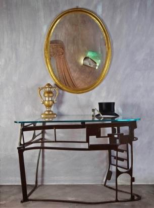 <b>Consolle scultura</b> - 2018 | Acciaio ferroso di recupero e vetro extralight. 130x90x75cm.