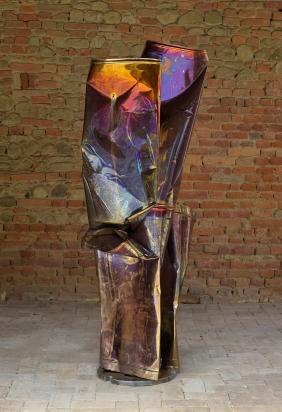 <b>Scelta dell'asimmetrico e asimmetria della scelta</b>, 2018. Acciaio e ferro riciclato, 80x198x50 cm.