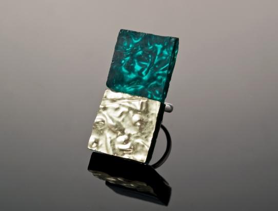 Anello (4,1x1,9cm): Ori veneziani su base argento