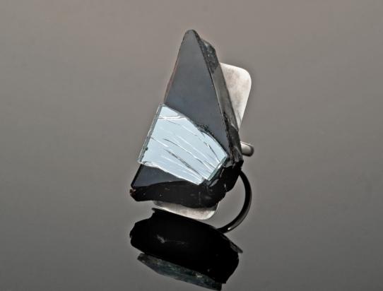 Anello (4x2,1cm) in cristallo e specchio su base argento
