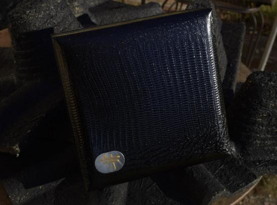 cofanetto in dotazione con tutti i gioielli Denshō