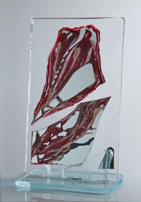 """""""<b>Maree</b>"""", 2011 – frammenti di specchio, vernice su cristallo, su base in cristallo, 37x62x25 cm"""