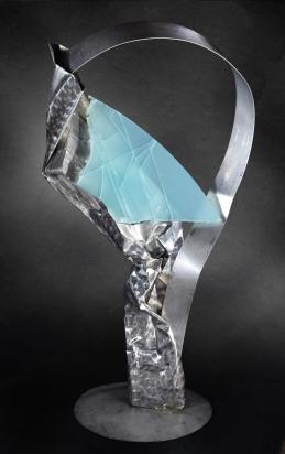 """""""<b>Non forzare</b>"""", 2017 - acciaio inox, cristallo multistrato riciclati, 90x173x65 cm"""