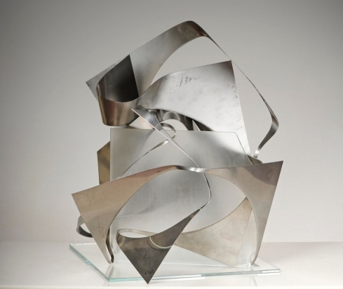 <b>Tocca proprio a te</b>, 2016 - steel and glass, opera decomposable work, 55x48x49 cm