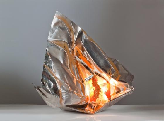 <b>Cavità creativa</b> - 2016 - 65x44x50 cm | Vetro, specchio, vernice e acciaio inox riciclato,  illuminazione a led.