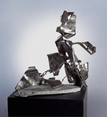 <b>Movements of identity</b> | 2018. Recycled stainless steel, 45x45x31 cm.