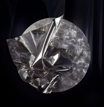 """""""<b>Vedere è credere</b>"""", 2017 - acciaio inox satinato e a specchio riciclato, 88x84x20 cm"""